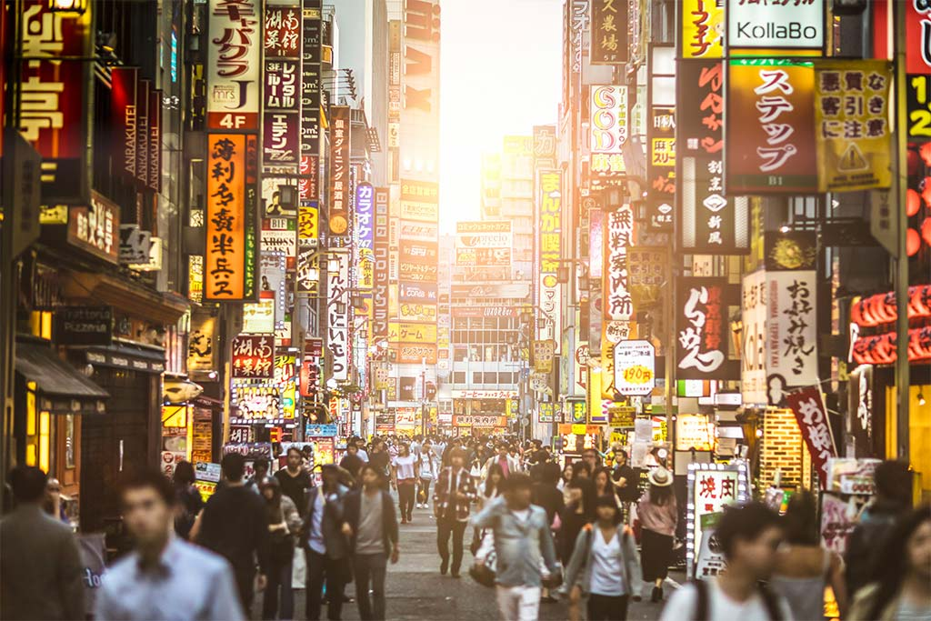 Japan Banning non-Japanese from popular tourist spots